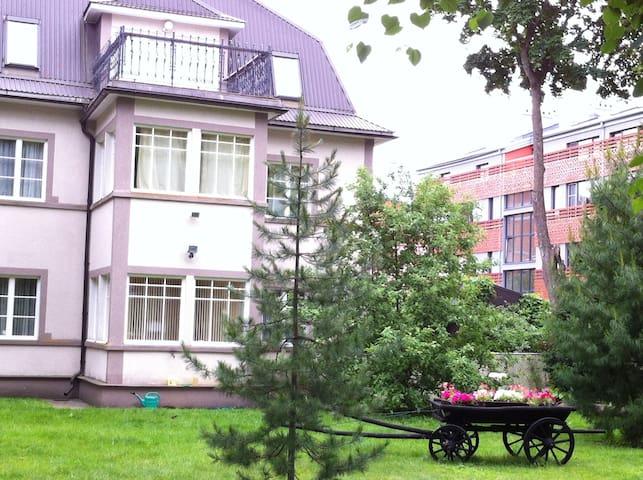 Villa in minute walk from seashore. - Narva-Jõesuu - House