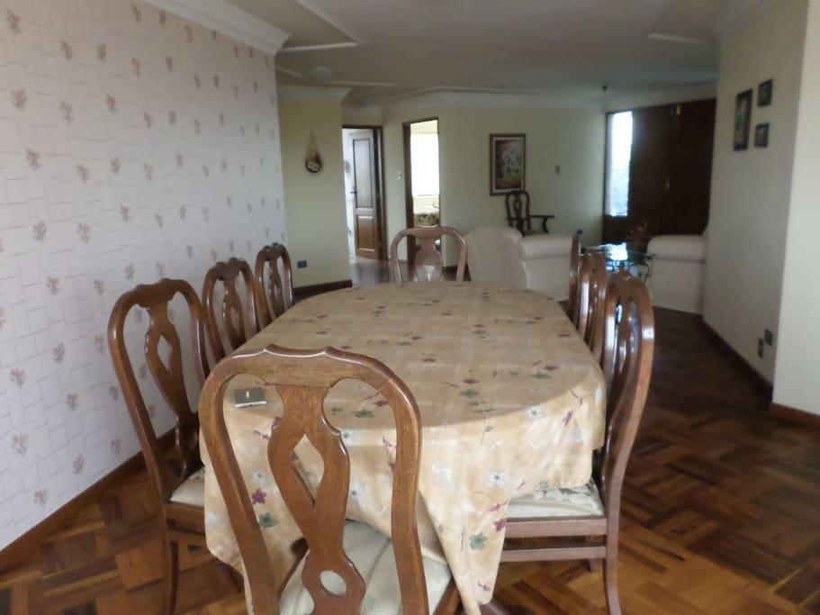 Amplio Comedor