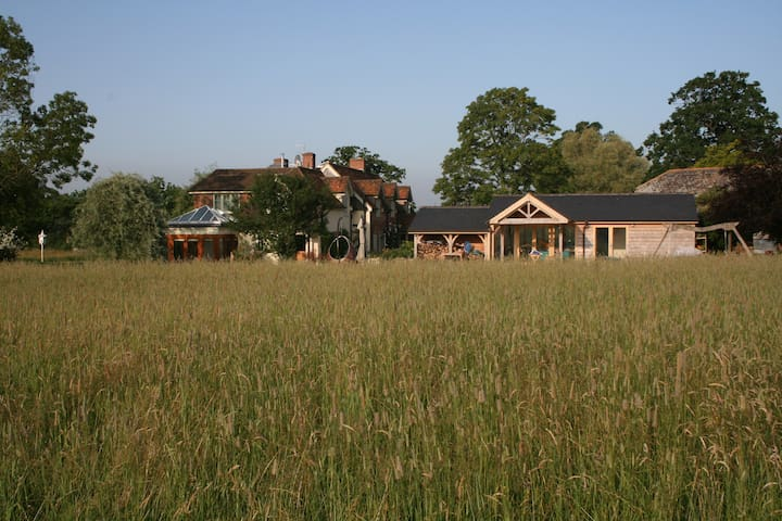 Rural Idyllic Farm, peaceful stay, - Salisbury - Bed & Breakfast
