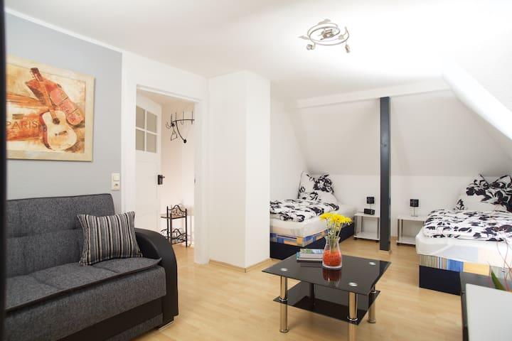Gemütliche 2-Zimmer Wohnung, 4 Pers - Markkleeberg