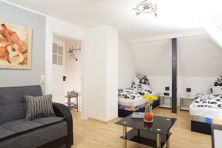Gemütliche 2-Zimmer Wohnung, 4 Pers - Markkleeberg - Wohnung