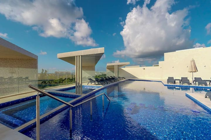Luxury Private Room in Miranda Condominium