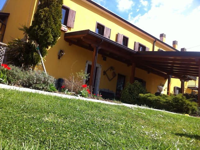 Masseria Monte Pizzi - Carovilli - Bed & Breakfast