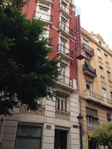 Piso centrico + economico + Wi fi - València - Apto. en complejo residencial