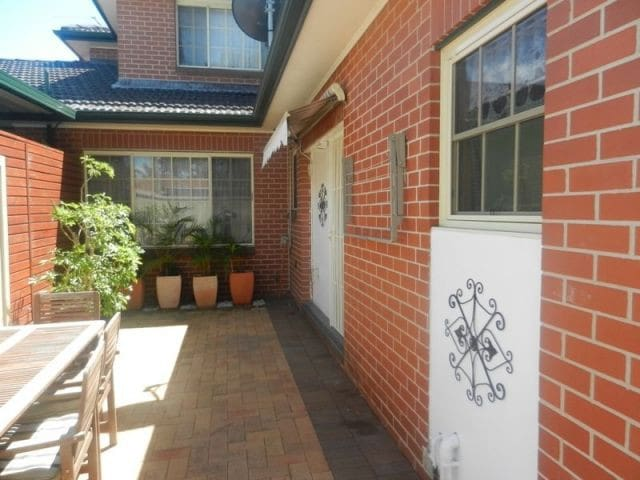 Double room in a granny flat - Peakhurst