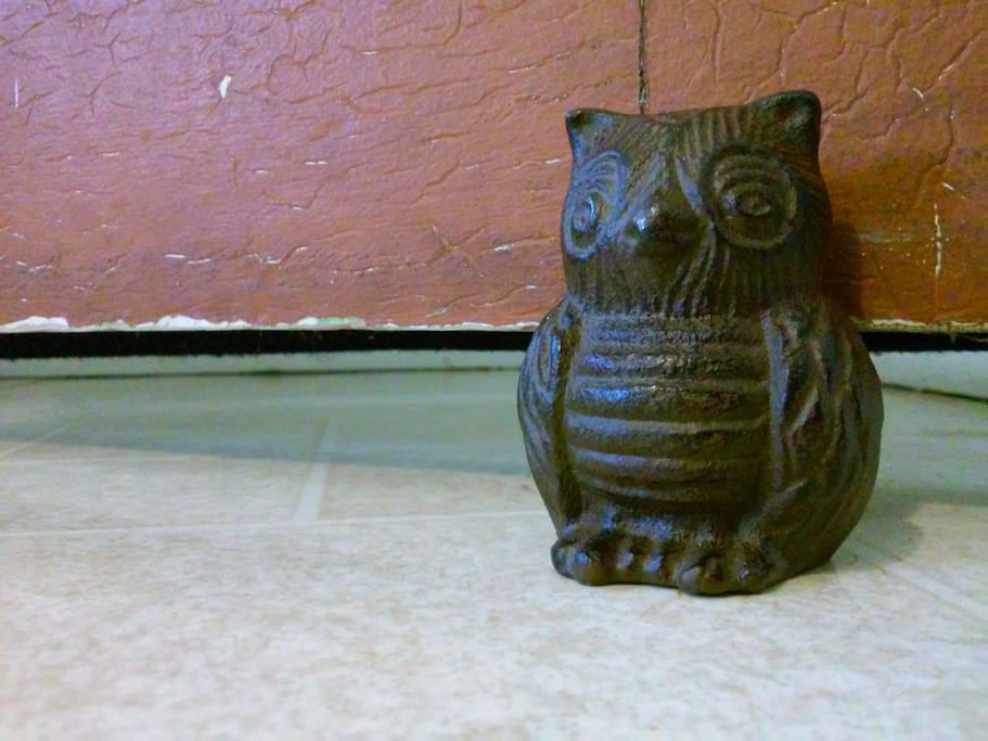 Mr. Owl to hold your door open to let the trade winds cool you off