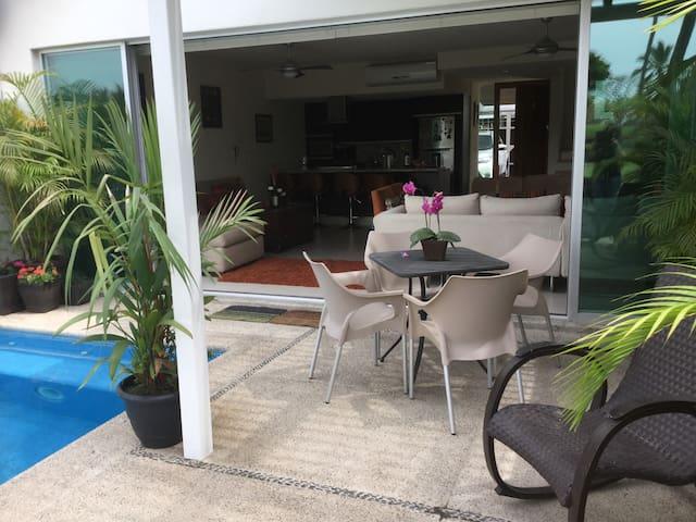 Habitación c/baño. Alberca/vista al Club de Golf - Puerto Vallarta - Rumah