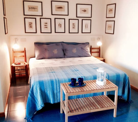 Cute studio apt in front of the sea - Giardini Naxos - Apartamento