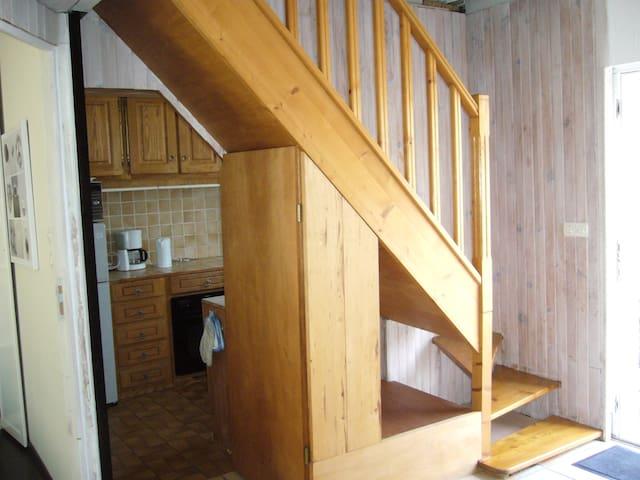 Escalier permettant de monter à l'étage