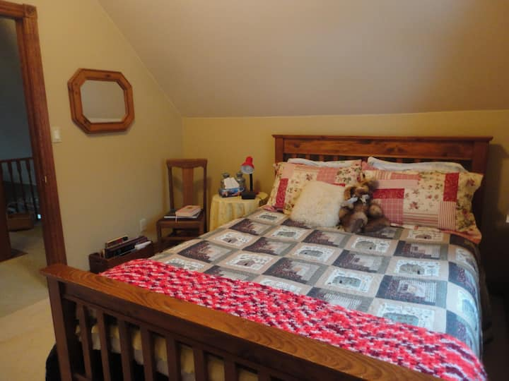 Baby Bear Bed & Breakfast (2), Bob Lake