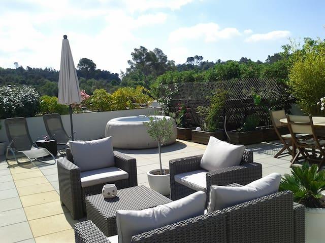Frejus appt 6pers toit terrasse 65M