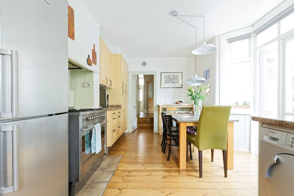 very spacious kitchen/diner with all modern conveniences