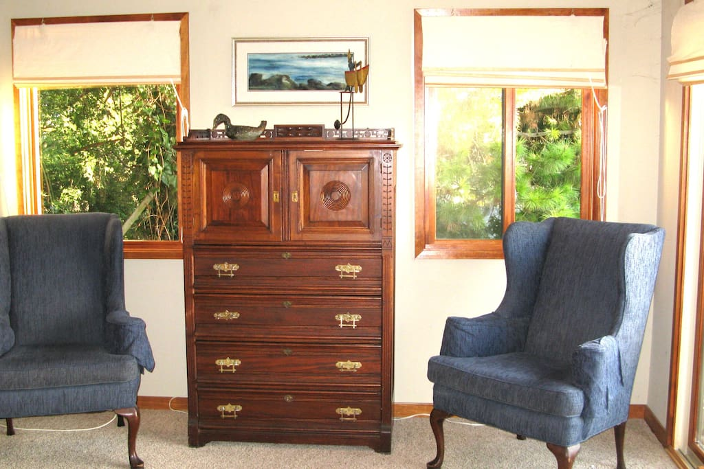 Spacious antique dresser for your belongings