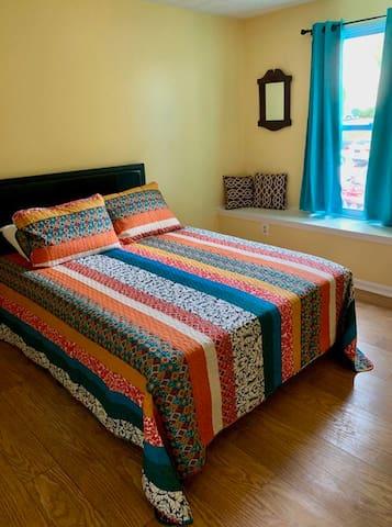 2nd Bedroom- Full Bed