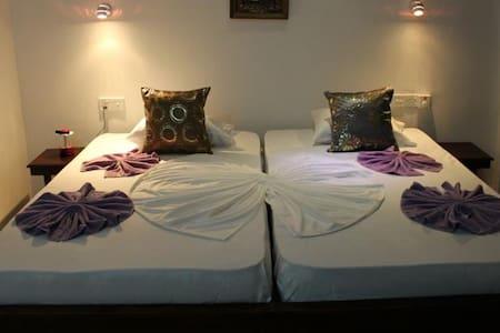 Cozy Room at Beach Road Negombo