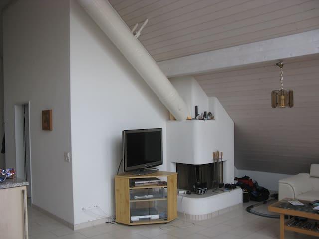 Dachwohnung - Dällikon - Apartment