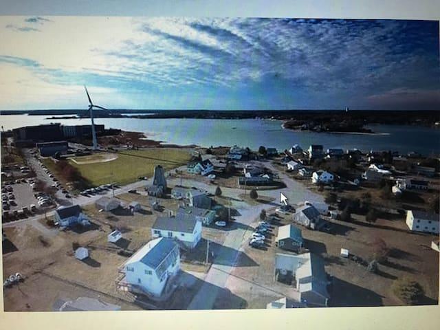 Tailor Point / Bourne Cape House