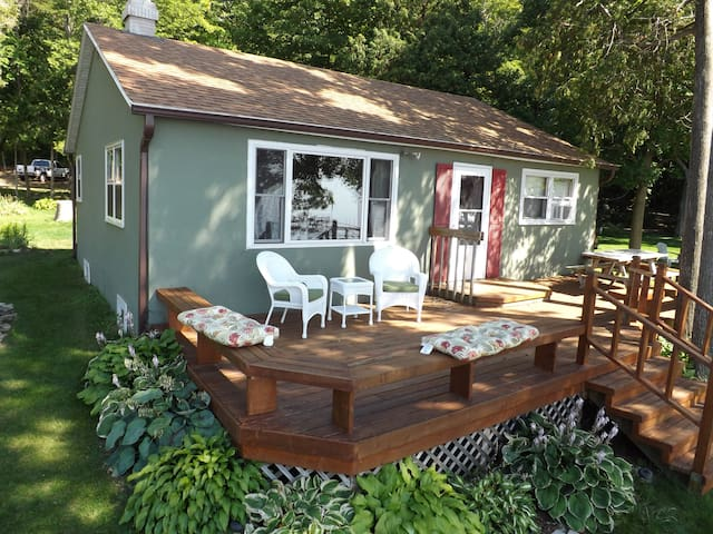 Door County Shore Front 2 Bdrm Cabin on 1.2 Acres