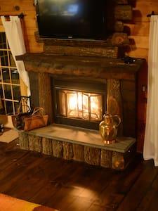 Woodland Cozy Catskills Cabin - Boiceville