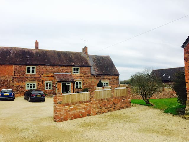 The Granary, 16th century farm - Pershore - Apartemen