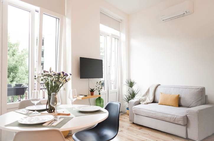 """LBV"" Apartment in Porto city Center"