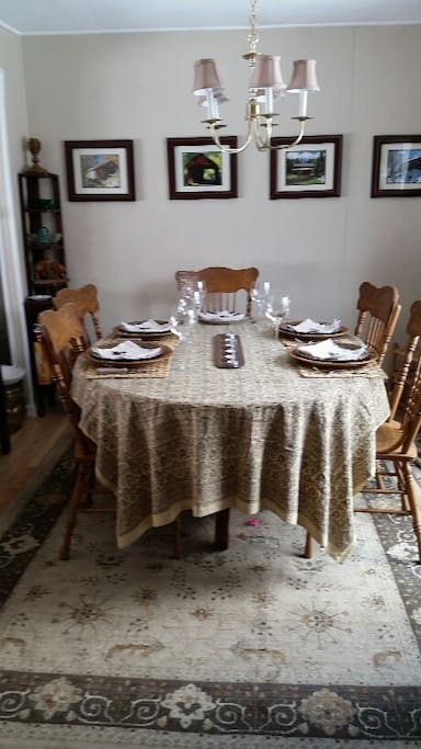 Dining room table seats 6 - 8