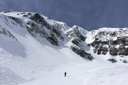 **SaddleRidge A2~Ski in/out~Moonlight Club~HotTub