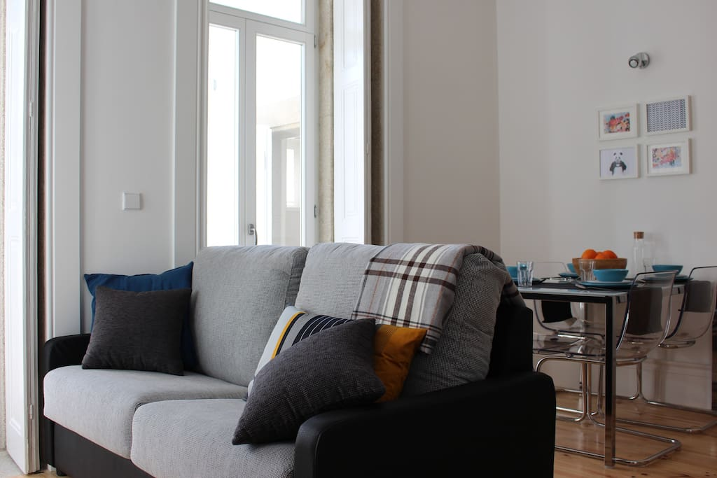 [AWEPORTO] Living room sofa and dinner table