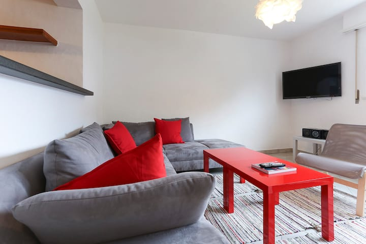 Room for rent in Martigny near station and Vatel