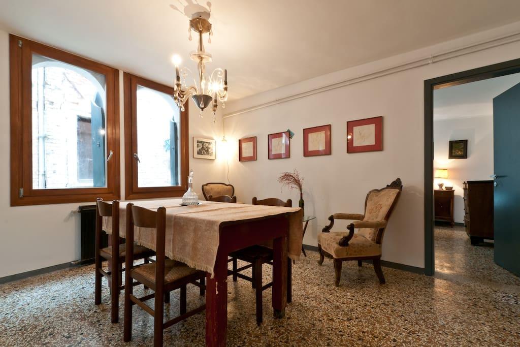 Sala da pranzo (con uso cucina solo in caso di soggiorni di almeno una settimana)
