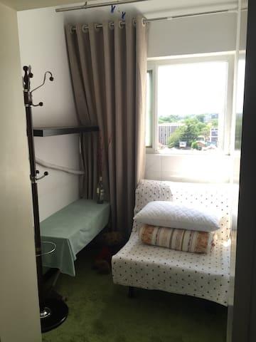 簋街东四十条景观天台客厅独立小房间