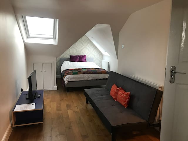 Large  loft room in excellent location