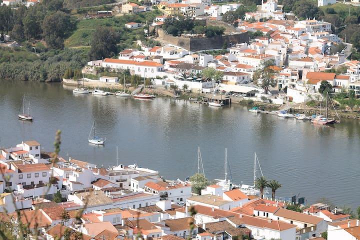 Casa da Muralha - Alcoutim - บ้าน
