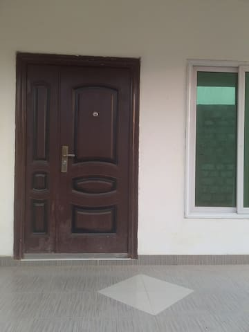 2 bedroom house  close to West Hills Mall