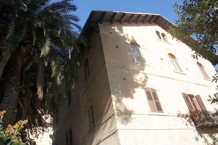 Villa liberty a Caltanissetta - Caltanissetta - วิลล่า