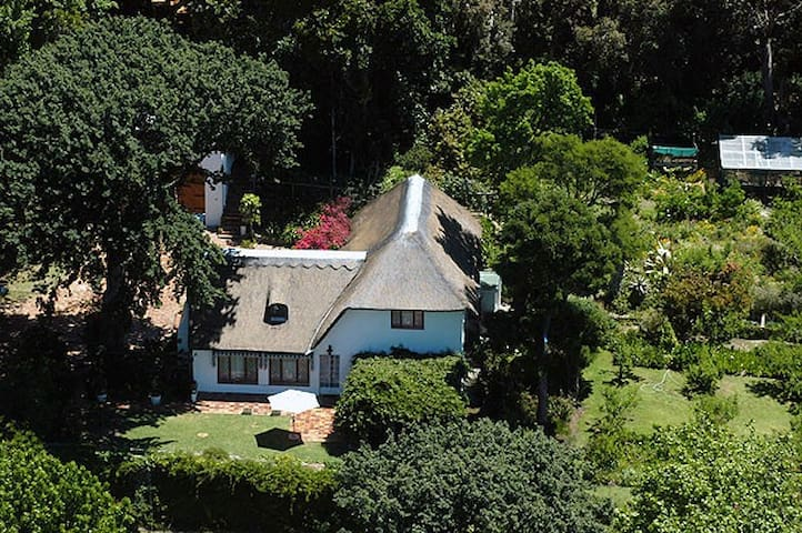 Upper Constantia. Gorgeous Country House. CapeTown