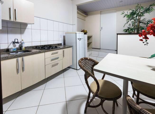 Apartamento duplo com cozinha