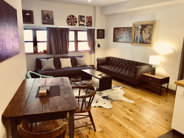 Whole floor apt in old 5 points