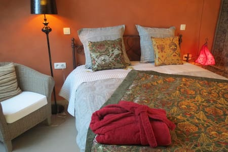 Geniet van rust nabij centrum Gent - Gent - Bed & Breakfast