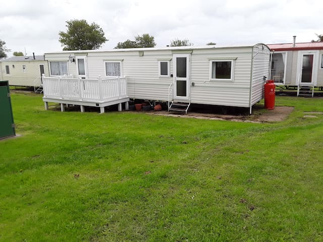 Charming 3-Bed Caravan in Hull