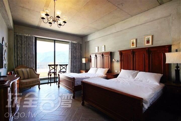 1852高地4人房(大陽台大面落地窗面山觀景房.乾濕分離浴室雙面盆,採光良好適合家庭或三五好友入住) - Ren'ai Township - Minsu (Taiwan)