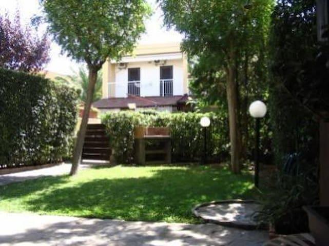 Villetta villaggio, 50 km da Matera - Metaponto - Dom