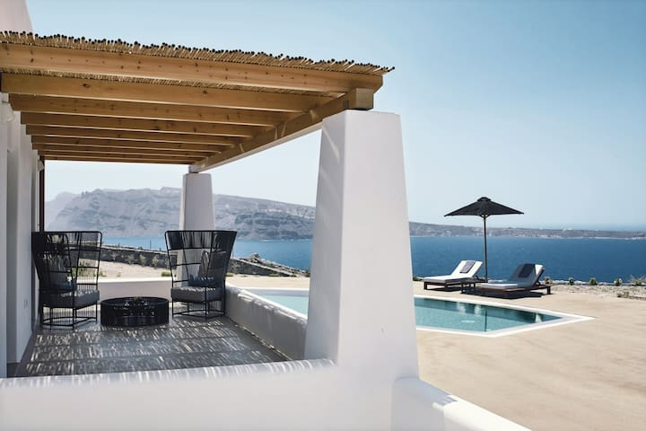 Ilios Luxury Sunset Pool Villa