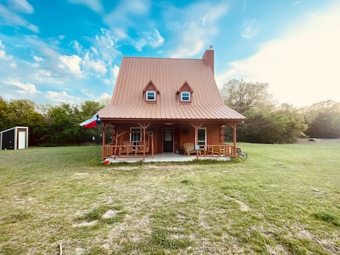 Cabin getaway with 80 acres to yourself