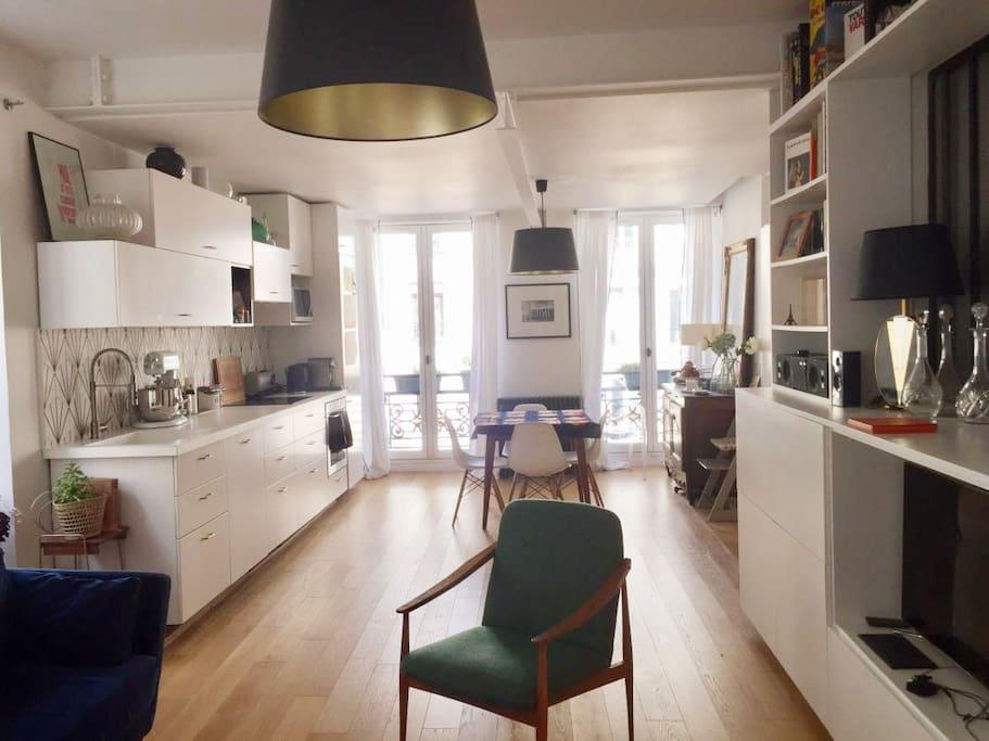 Vue salon côté salle à manger