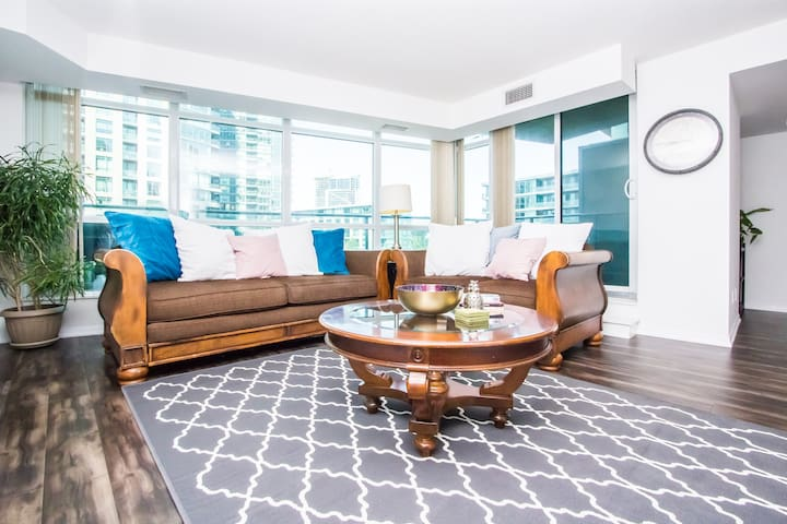☆☆☆Amazing 2bed Downtown, Lakeshore