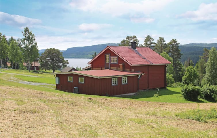 Holiday cottage with 2 bedrooms on 85m² in Gällö