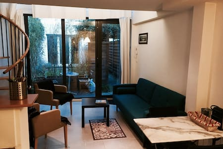 Private garden and silence downtown! Duplex - Lyon-6E-Arrondissement