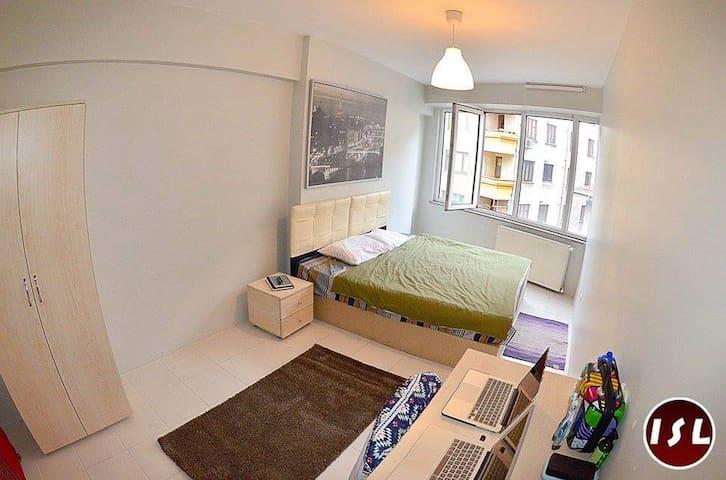 Comfortable Student House in City Center - Şişli - Byt