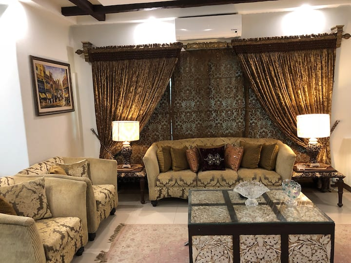Shahmeer's Sapphire Executive Suite